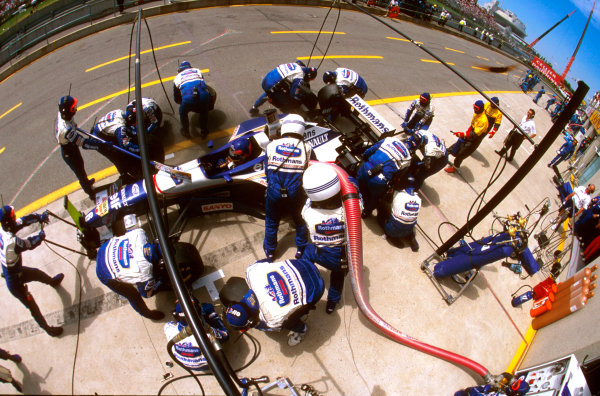 Montreal, Quebec, Canada.14-16 June 1996.Jacques Villeneuve (Williams FW18 Renault) 2nd position, takes a pitstop for tyres and fuel.Ref-96 CAN 09.World Copyright - LAT Photographic