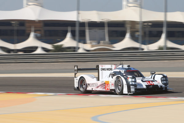 2014 World Endurance Championship, Bahrain International Circuit, Sakhir, Bahrain 13th-15th November, 2014. Romain DUMAS, Neel JANI, Marc LIEB Porsche 919 Hybrid  World copyright: Lord/Ebrey/LAT Photographic