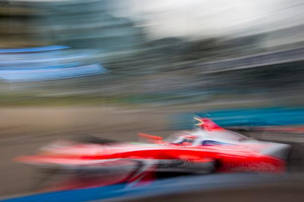 2016/2017 FIA Formula E Championship. Hong Kong ePrix, Hong Kong, China. Sunday 9 October 2016. Felix Rosenqvist (SWE), Mahindra Racing, Spark-Mahindra, Mahindra M3ELECTRO. Photo: Zak Mauger/LAT/Formula E ref: Digital Image _L0U2454