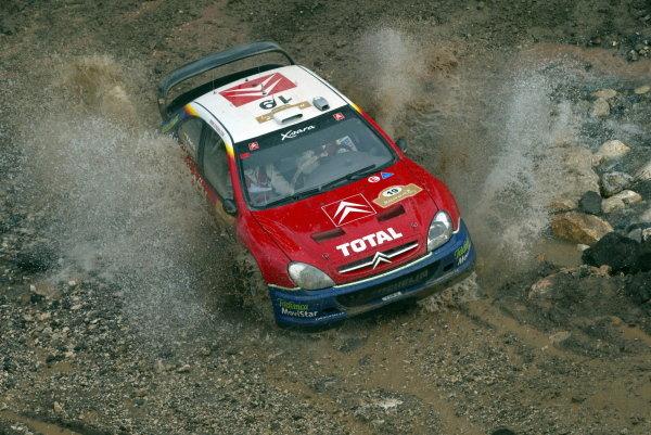 Rally leader Carlos Sainz (ESP), Citroen Xsara WRC.FIA World Rally Championship, Rd3, Rally of Turkey, Day Two, 01 March 2003.DIGITAL IMAGE