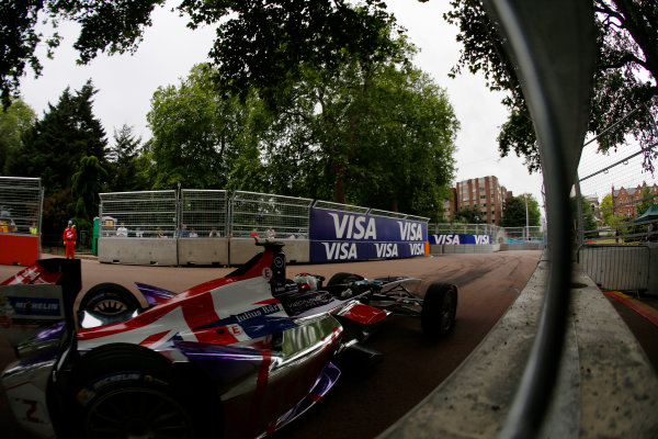 2014/2015 FIA Formula E Championship. London ePrix, Battersea Park, London, United Kingdom. Sunday 28 June 2015 Sam Bird (GBR)/Virgin Racing - Spark-Renault SRT_01E  Photo: Zak Mauger/LAT/Formula E ref: Digital Image _L0U9988