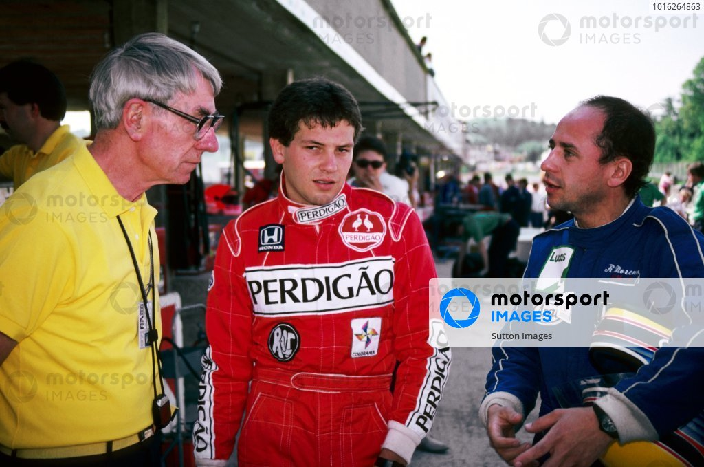 (L to R): Ron Tauranac (AUS) Ralt Designer talks with Mauricio Gugelmin (BRA) Ralt and Roberto Moreno (BRA) Ralt. 1987 International Formula 3000 Championship.