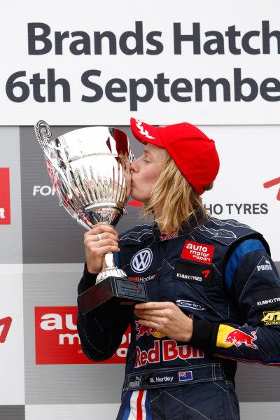 Brands Hatch, England.6th September 2009.Brendon Hartley (NZ, Carlin Motorsport) 1st. Podium.World Copyright: Andrew Ferraro/LAT Photographicref: Digital Image_H0Y4384 jpg