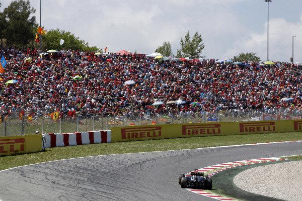Circuit de Catalunya, Barcelona, Spain 12th May 2013 Kimi Raikkonen, Lotus E21 Renault.  Photo: Andrew Ferraro/LAT Photographic ref: Digital Image _79P5903