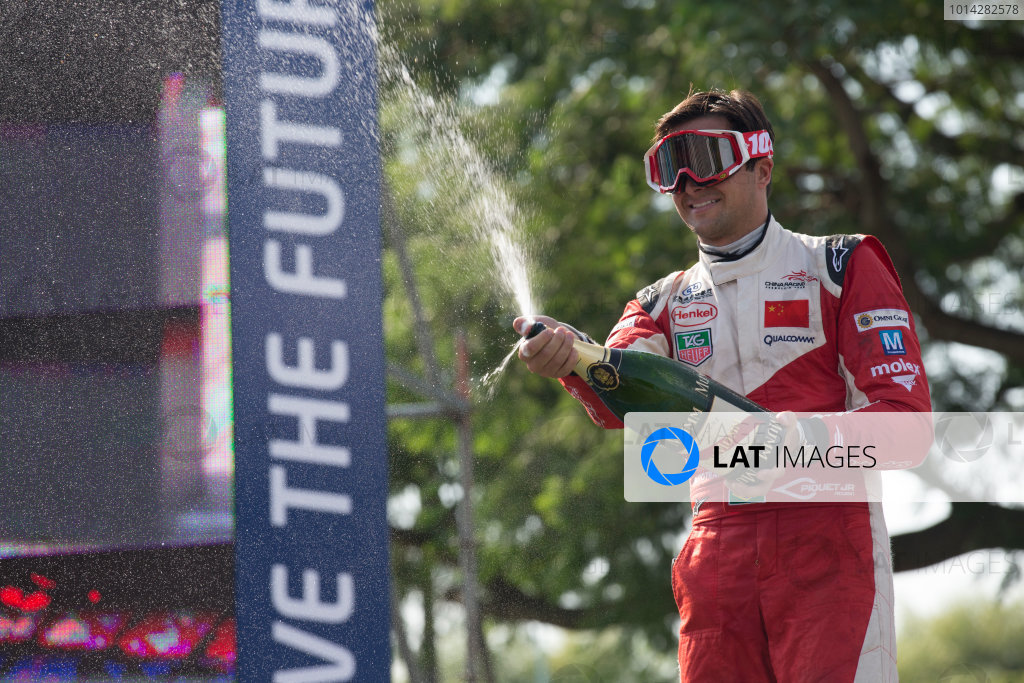 2014 Formula E  Buenos Aires e-Prix, Argentina Saturday 10 January 2015. Nelson Piquet Jr (BRA)/China Racing - Spark-Renault SRT_01E  Photo: Alastair Staley/LAT/Formula E ref: Digital Image _R6T2023