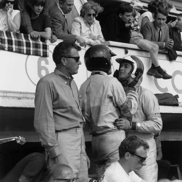 1964 Le Mans 24 hours. Le Mans, France. 20th - 21st June 1964. Carroll Shelby with Bob Bondurant and Dan Gurney (AC Cobra Daytona), 4th position, in the pits before the start of the race, portrait.  World Copyright: LAT Photographic. Ref:  25155.