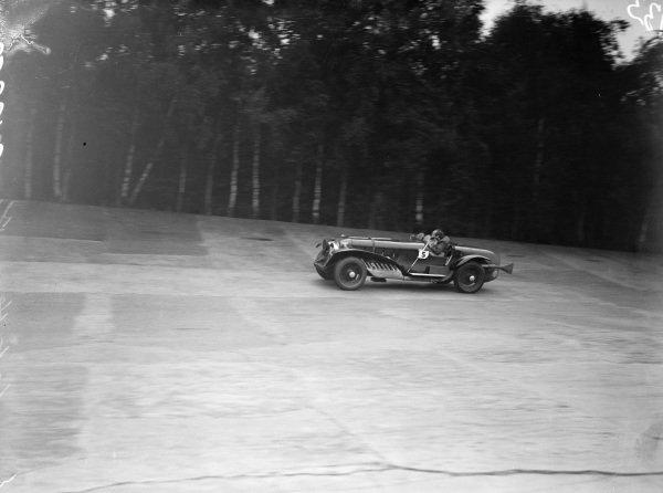 Sir Lionel Philips, Leyland-Thomas.