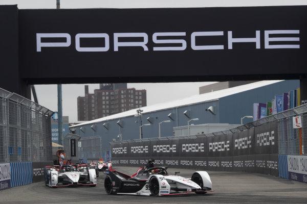 Pascal Wehrlein (DEU), Tag Heuer Porsche, Porsche 99X Electric, leads Andre Lotterer (DEU), Tag Heuer Porsche, Porsche 99X Electric