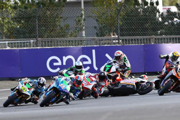 Matteo Ferrari, Trentino Gresini MotoE leads, Xavier Simeon, LCR E-Team is crashing.