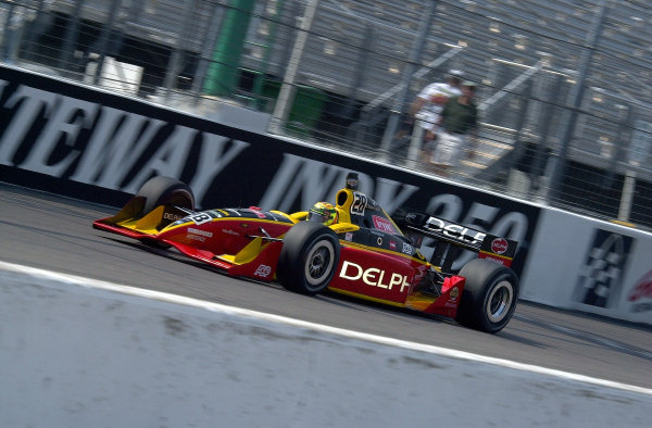 Mark Dismore atspeed along the front straight.