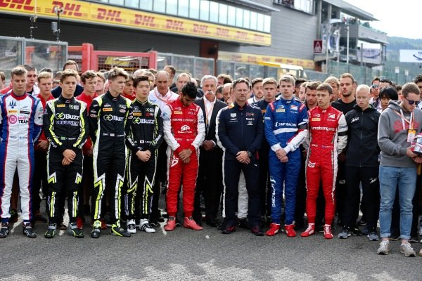 Drivers line up on the grid in silence for the passing on Anthoine Hubert (FRA, BWT ARDEN), with Chase Carey, Chairman, Formula 1, Christian Horner, Team Principal, Red Bull Racing, Luca Ghiotto (ITA, UNI VIRTUOSI), Nobuharu Matsushita (JPN, CARLIN), Callum Ilott.