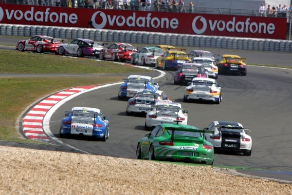 The start. Porsche Supercup, Rd5, Nurburgring, Germany, 29 May 2005. DIGITAL IMAGE