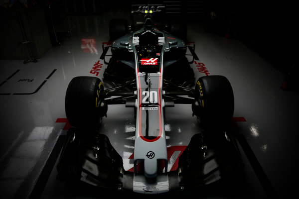 Suzuka Circuit, Japan. Thursday 5 October 2017. The Haas VF-17 Ferrari of Kevin Mgnussen. World Copyright: Andrew Hone/LAT Images  ref: Digital Image _ONY6660