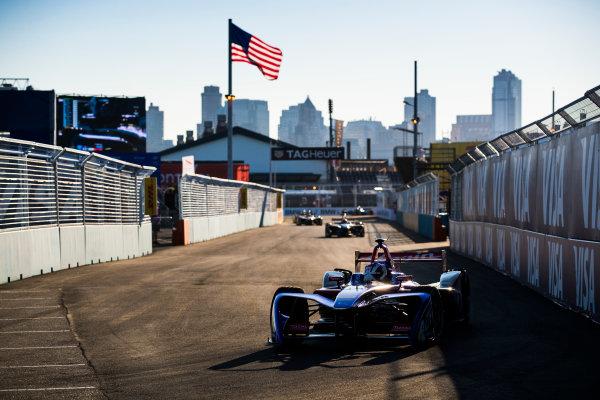 2016/2017 FIA Formula E Championship. Round 10 - New York City ePrix, Brooklyn, New York, USA. Sunday 16 July 2017. Alex Lynn (GBR), DS Virgin Racing, Spark-Citroen, Virgin DSV-02. Photo: Sam Bloxham/LAT/Formula E ref: Digital Image _J6I4155