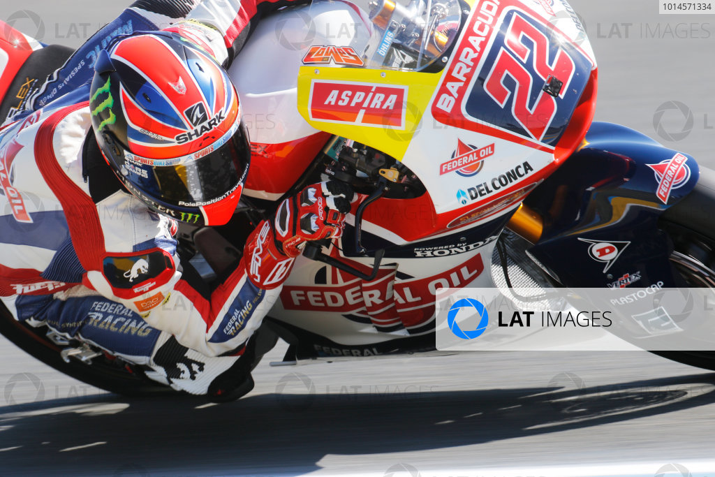 2016 MotoGP Championship.  French Grand Prix.  Le Mans, France. 6th - 8th May 2016.  Moto2.  Sam Lowes, Kalex.   Ref: _W7_4776a. World copyright: LAT Photographic