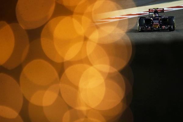 Bahrain International Circuit, Sakhir, Bahrain. Saturday 18 April 2015. Carlos Sainz Jr, Toro Rosso STR10 Renault. World Copyright: Charles Coates/LAT Photographic. ref: Digital Image _Z3O8846