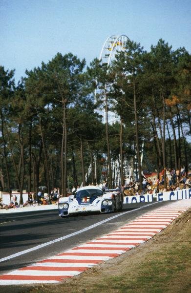 1982 Le Mans 24 hours. Le Mans, France. 19-20 June 1982. Jacky Ickx/Derek Bell (Porsche 956), 1st position, action.   World Copyright: LAT Photographic. Ref:  82LM02.