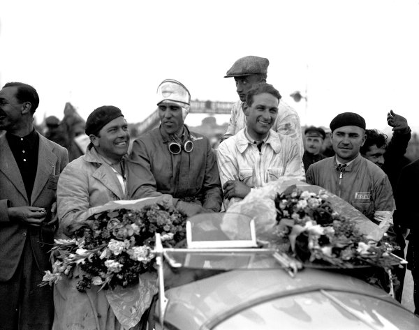 Le Mans, France. 17-18 June 1933.Tazio Nuvolari/Raymond Sommer (Alfa Romeo 8C), 1st position.World Copyright: LAT Photographicref: C873