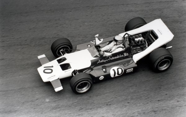1969 French Grand Prix.Clermont-Ferrand, France. 6 July 1969.Vic Elford, McLaren M7A/M7B-Ford, 5th position, action.World Copyright: LAT PhotographicRef: 1064A #29
