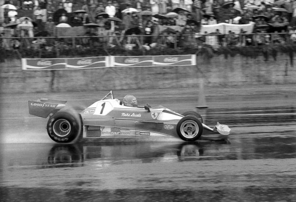 Niki Lauda (AUT) Ferrari 312T2 famously withdrew from the terrible wet race conditions at the end of the second lap relinquishing his World Championship lead at the final race of the season. Japanese Grand Prix, Rd 16, Fuji, Japan, 24 October 1976.