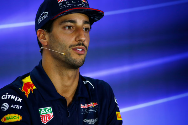 Yas Marina Circuit, Abu Dhabi, United Arab Emirates. Thursday 23 November 2017. Daniel Ricciardo, Red Bull Racing, in the press conference. World Copyright: Andy Hone/LAT Images  ref: Digital Image _ONY9669