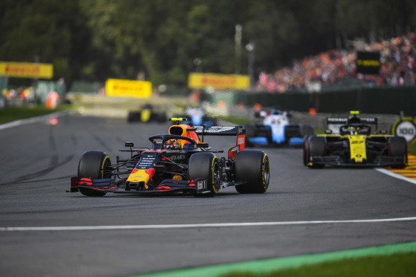 Alexander Albon, Red Bull RB15, leads Nico Hulkenberg, Renault R.S. 19, and George Russell, Williams Racing FW42