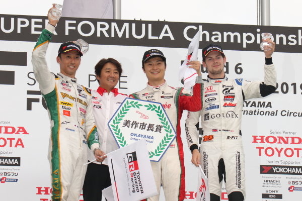 Winner Kenta Yamashita, Kondo Racing, Dallara SF19 Honda, celebrates on the podium with Kazuki Nakajima, Vanillin Team TOM'S, Dallara SF19 Toyota, 2nd, and Harrison Newey, B-Max Racing with Motopark, Dallara SF19 Honda, 3rd