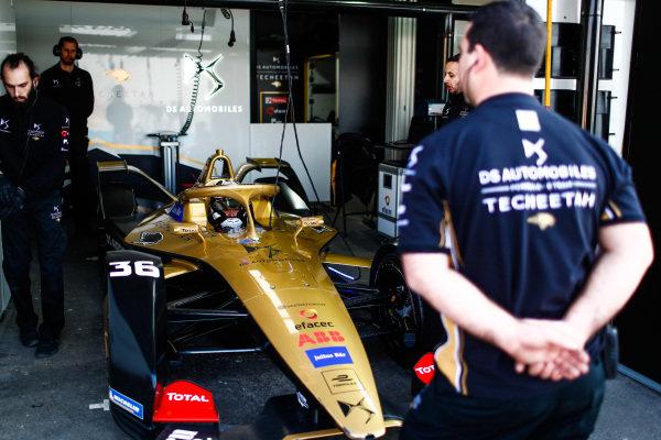 Andre Lotterer (DEU), DS TECHEETAH, DS E-Tense FE19, prepares to leave the garage