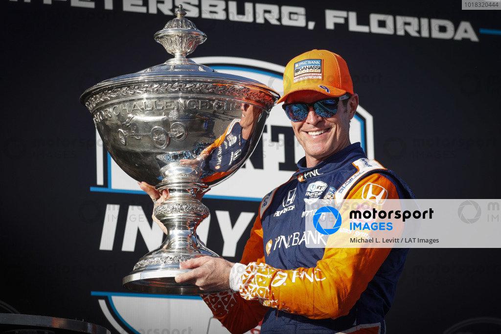 Champion #9 Scott Dixon, Chip Ganassi Racing Honda