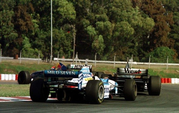 1997 Argentinian Grand Prix.Buenos Aires, Argentina.11-13 April 1997.Johnny Herbert (Sauber C16 Petronas Ferrari) leads Mika Hakkinen (McLaren MP4/12 Mercedes-Benz) and Gerhard Berger (Benetton B197 Renault).World Copyright - LAT Photographic