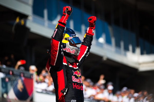 2017 Supercars Championship Round 1.  Clipsal 500, Adelaide, South Australia, Australia. Thursday March 2nd to Sunday March 5th 2017. Shane Van Gisbergen driver of the #97 Red Bull Holden Racing Team Holden Commodore VF. World Copyright: Daniel Kalisz/LAT Images Ref: Digital Image 040317_VASCR1_DKIMG_6098.JPG