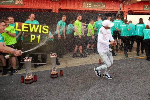 Circuit de Catalunya, Barcelona, Spain. Sunday 14 May 2017. Lewis Hamilton, Mercedes AMG, 1st Position, and the Mercedes team celebrate victory. World Copyright: Steve Etherington/LAT Images ref: Digital Image SNE10162