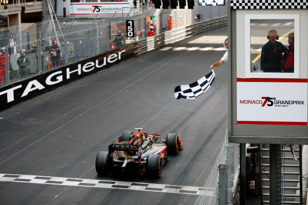 2017 FIA Formula 2 Round 3. Monte Carlo, Monaco. Saturday 27 May 2017. Nyck De Vries (NED, Rapax) takes the chequered flag to win the race. World Copyright: Glenn Dunbar/FIA Formula 2 ref: Digital Image _X4I9619