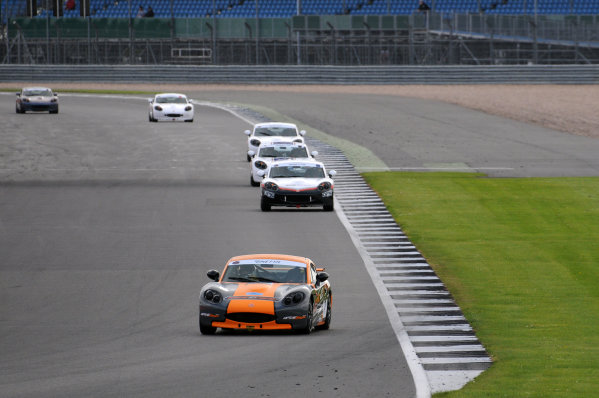 2017 Ginetta Racing Drivers Club, Silverstone, 11th-12th June 2017, Bond To Ginetta G40. World copyright. JEP/LAT Images