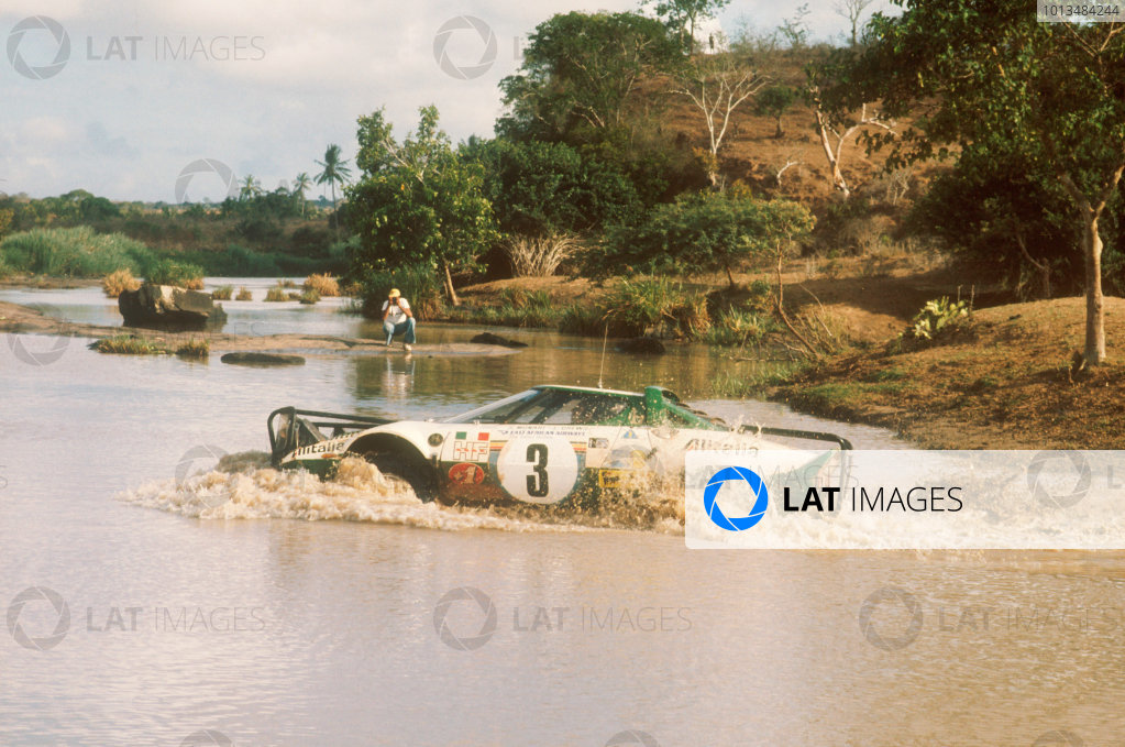 1975 World Rally Championship. Safari Rally, Kenya. 27th - 31st March 1975. Sandro Munari/Lofty Drews (Lancia Stratos HF), 2nd position, action. World Copyright: LAT Photographic. Ref: Colour Transparency.
