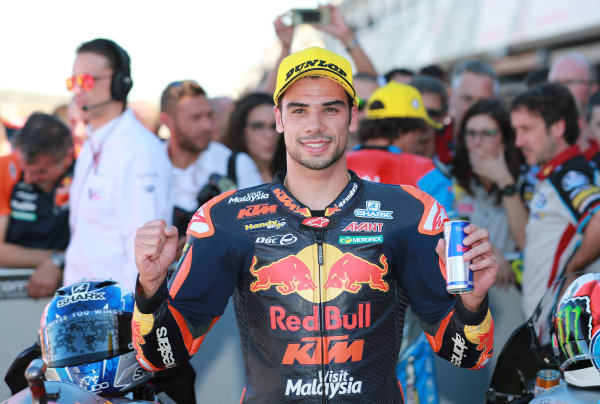 2017 Moto2 Championship - Round 18 Valencia, Spain  Sunday 12 November 2017 Race winner Miguel Oliveira, Red Bull KTM Ajo  World Copyright: Gold and Goose Photography/LAT Images  ref: Digital Image 706507