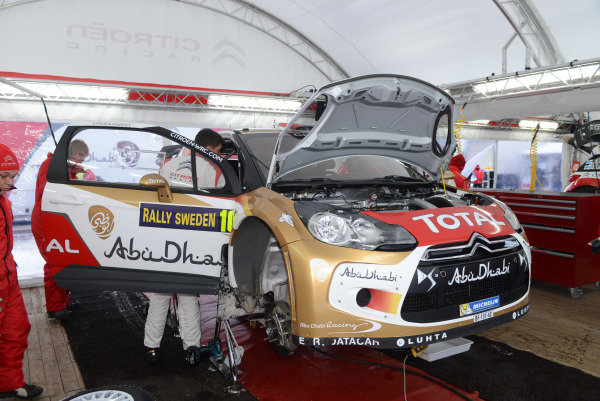Citroen service. FIA World Rally Championship, Rd2, Rally Sweden, Karlstad, Sweden, Shakedown & Qualifying, Thursday 7 February 2013.