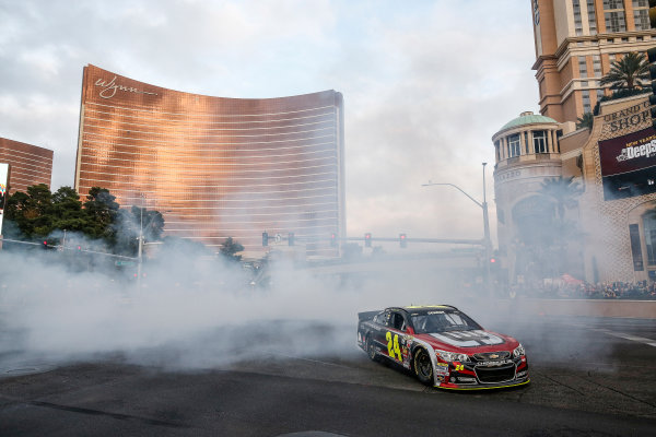 3-5 December, 2014, Las Vegas, Nevada USA Jeff Gordon burnout ©2014, Michael L. Levitt LAT Photo USA