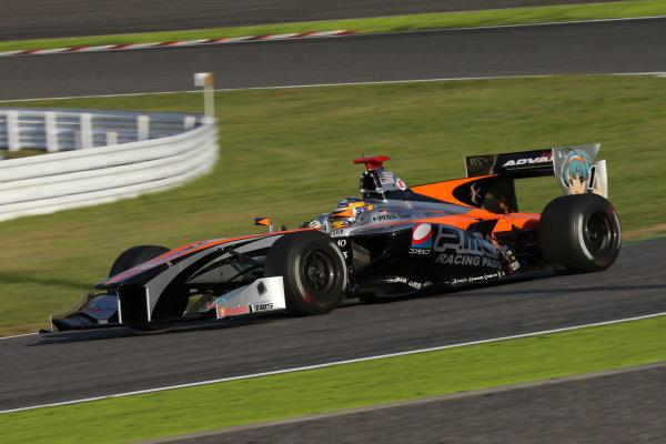 2016 Japanese Super Formula. Suzuka, Japan. 29th - 30th October 2016. Rd 7. Race 2 - 3rd position Hiroaki Ishiura ( #1 P.MU/CERUMO ? INGING SF14 ) action. World Copyright : Yasushi Ishihara / LAT Photographic. Ref : 2016SF_Rd7_SUZUKA_030