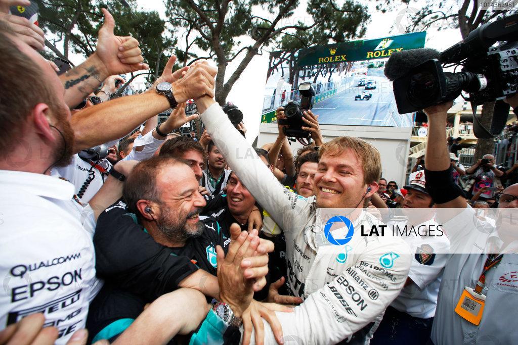 Monte Carlo, Monaco. Sunday 24 May 2015. Nico Rosberg, Mercedes AMG, 1st Position, celebrates with his team. World Copyright: Charles Coates/LAT Photographic. ref: Digital Image _J5R7186