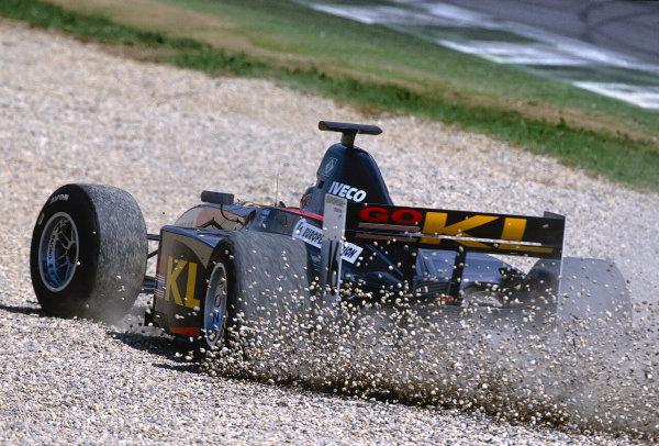 2002 F3000 ChampionshipA1-Ring, Austria. 11th May 2002.Alexandre Sperafico (European Minardi F3000) runs wide and out of the race on lap 1.World Copyright: Charles Coates/LAT Photographicref: 35mm Image A12