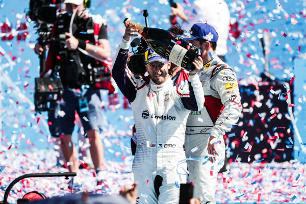 Sam Bird (GBR), Envision Virgin Racing, celebrates victory