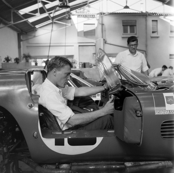 Dan Gurney in the Scuderia SSS Republica di Venezia, Ferrari 250 TRI/61, shared with Joakim Bonnier.