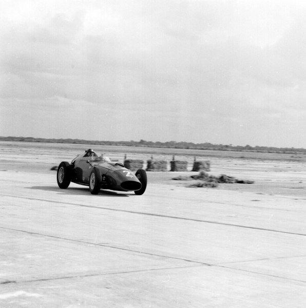 1959 United States Grand Prix.Sebring, Florida, USA.10-12 December 1959.Tony Brooks (Ferrari Dino 246) 3rd position.Ref-5487.World Copyright - LAT Photographic