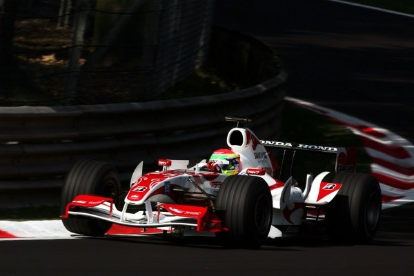 Sakon Yamamoto (JPN) Super Aguri F1 SA06.