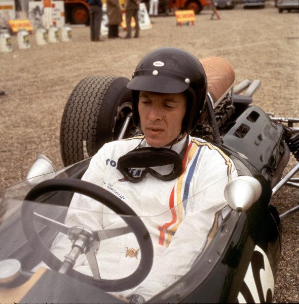 1965 Dutch Grand Prix.Zandvoort, Holland.16-18 July 1965.Dan Gurney (Brabham BT11 Climax) 3rd position.World Copyright - LAT Photographic