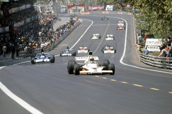 1973 Spanish Grand Prix.Montjuich Park, Barcelona, Spain. 29 April 1973.Denny Hulme (McLaren M23-Ford) leads Jackie Stewart and Francois Cevert (Tyrrell-Ford).World Copyright: LAT Photographicref: 35mm Transparency Image