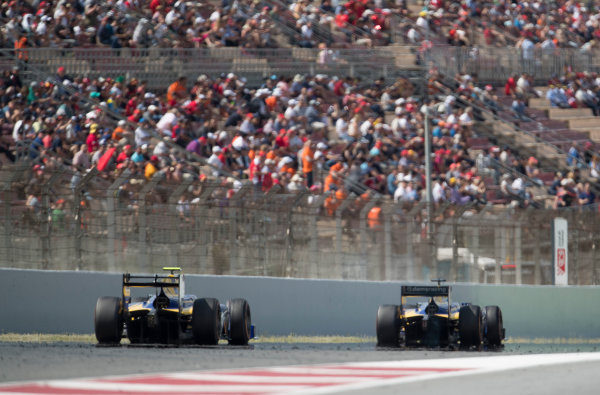 2017 FIA Formula 2 Round 2. Circuit de Catalunya, Barcelona, Spain. Sunday 14 May 2017. Oliver Rowland (GBR, DAMS) and Nicholas Latifi (CAN, DAMS)  Photo: Jed Leicester/FIA Formula 2. ref: Digital Image JL2_1611