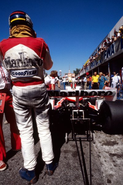 James Hunt (GBR) McLaren M26 took the restart after being involved in the fatal start line accident involving Ronnie Peterson (SWE) Lotus, but retired from the race on lap 20 with a broken distributor. Italian Grand Prix, Rd 14, Monza, Italy, 10 September 1978. BEST IMAGE