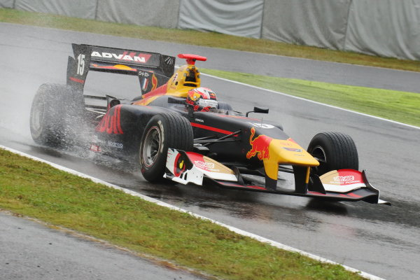 2017 Japanese Super Formula. Suzuka, Japan. 21st - 22nd October 2017. Rd 7. Cancelled race due to Typhoon. 2017 Driver?s 2nd position & Rookie of the Year Pierre Gasly ( #15 TEAM MUGEN SF14 ) action World Copyright: Yasushi Ishihara / LAT Images. Ref: 2017_SF_Rd7_012